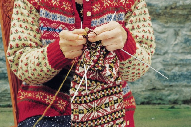 A KNITTING DEMONSTRATION  AT THE SHETLAND TEXTILE MUSEUM, MAINLAND, SHETLAND.